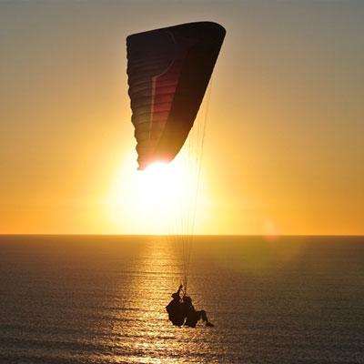 Полет на парашюте за катером